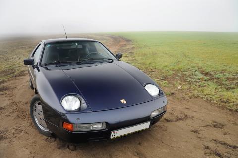 1986 Porsche 928 S4